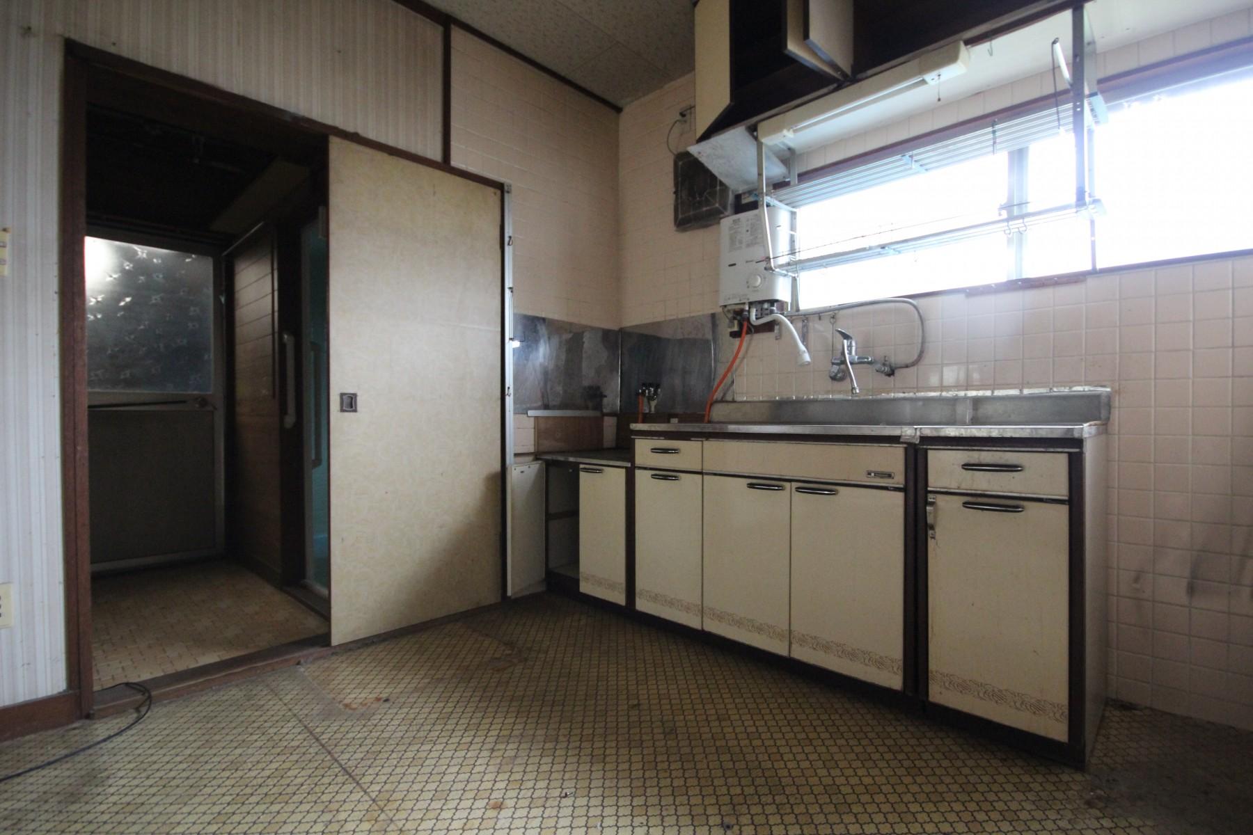 大分市中古住宅リノベーションH様邸キッチンビフォー写真